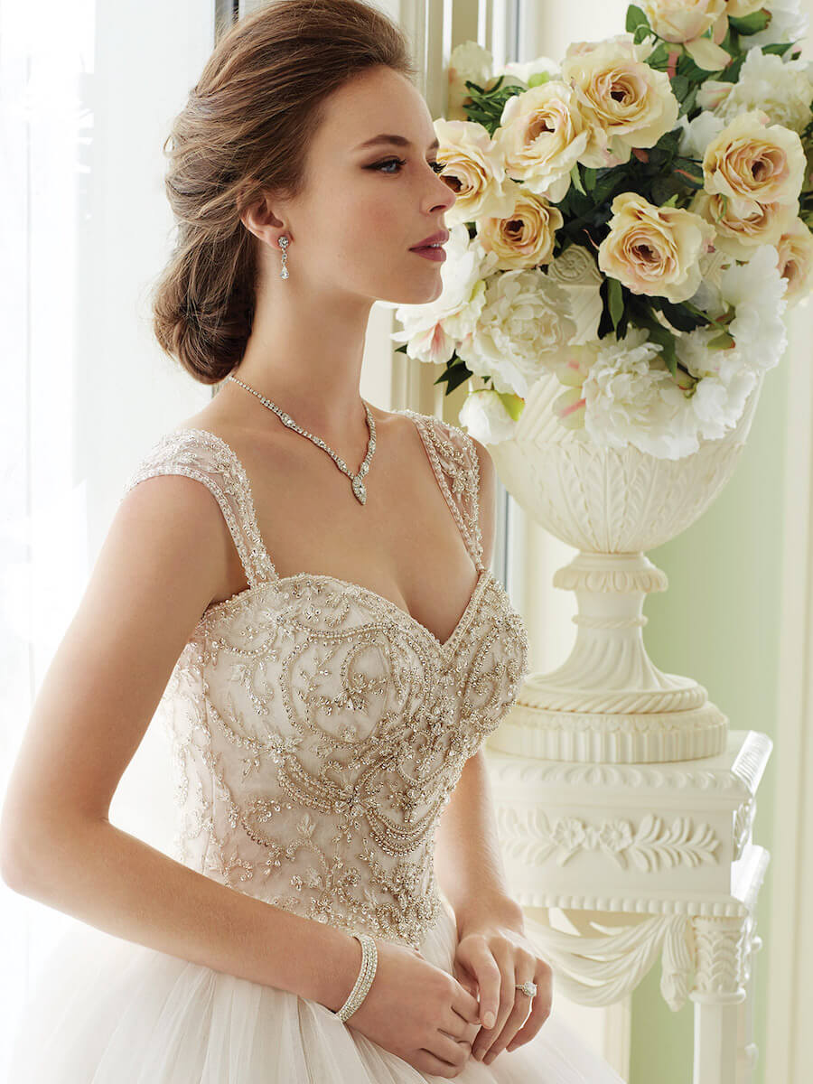 wedding dresses and gowns