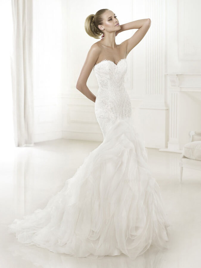 memaid-style fit & flare bridal gown