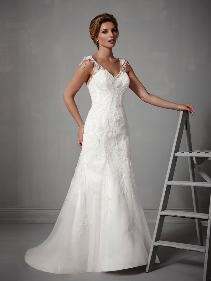 CRETE wedding dresses and gowns
