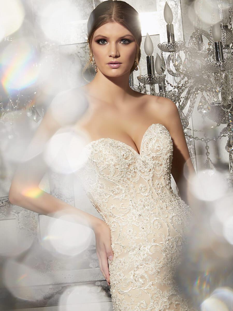 breathtaking wedding gown
