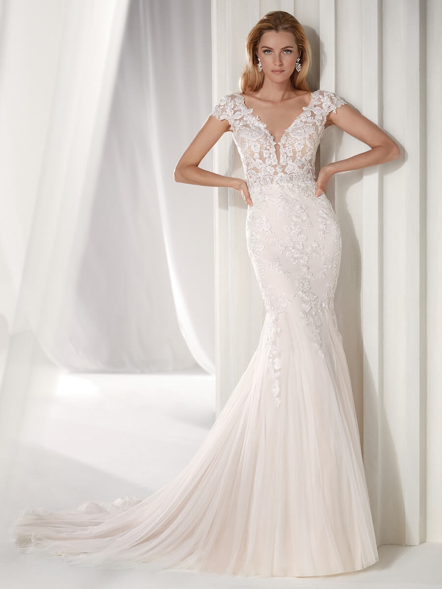 stunning and elegant light pink soft mermaid dress