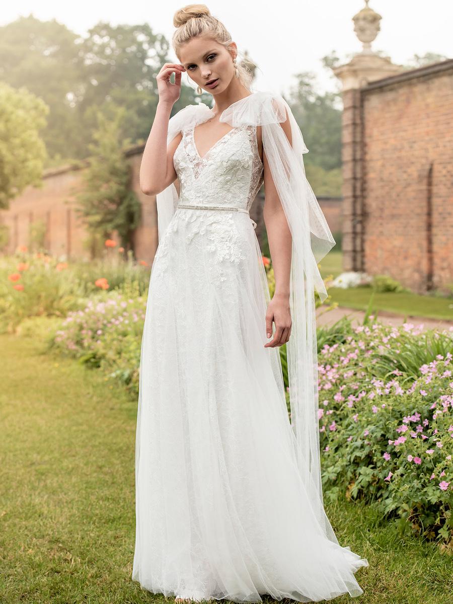 KRW27 bridal dress