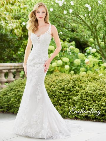 fit-and-flare-wedding-dress-Enchanting-118132